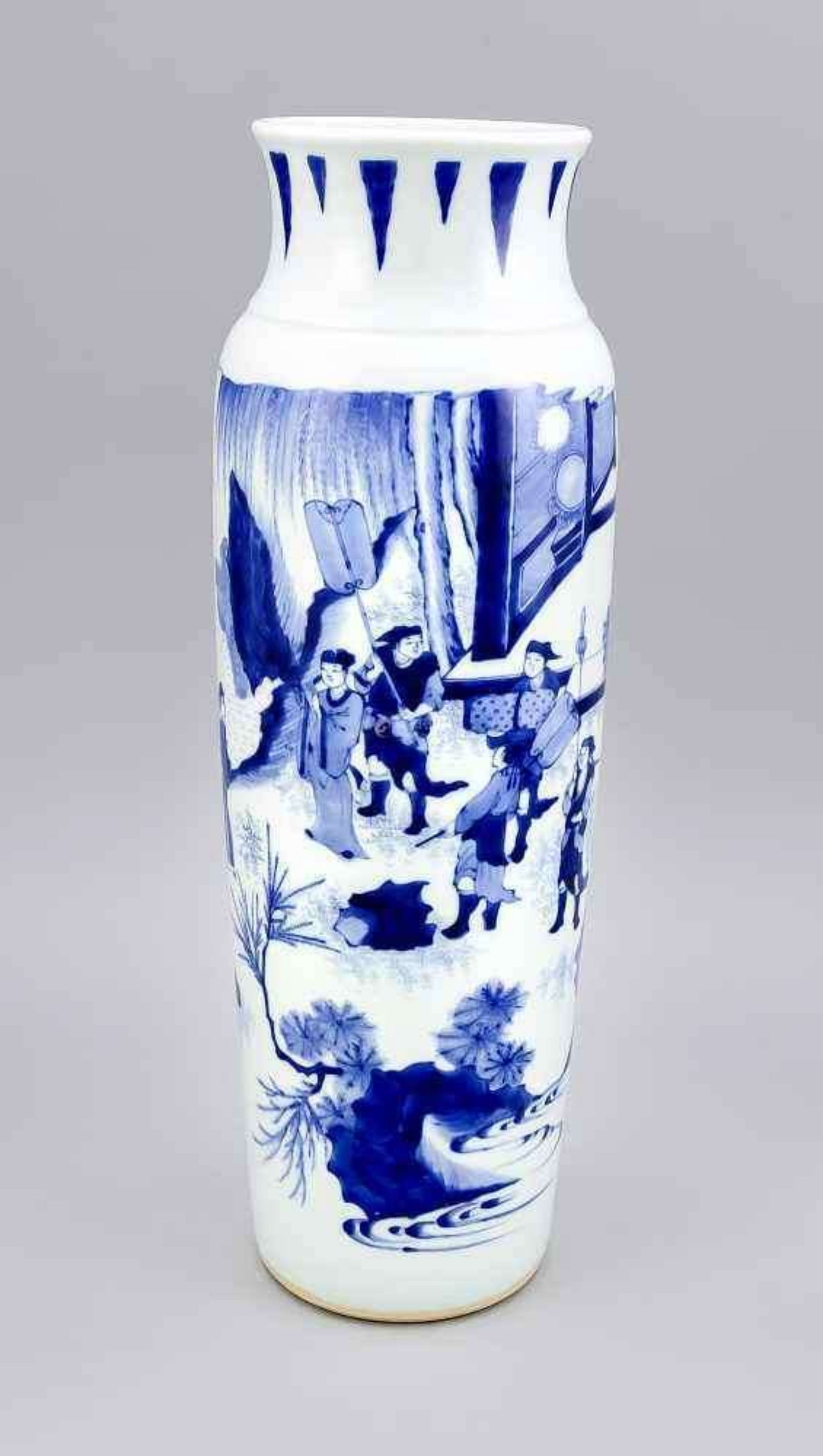 青花人物瓶